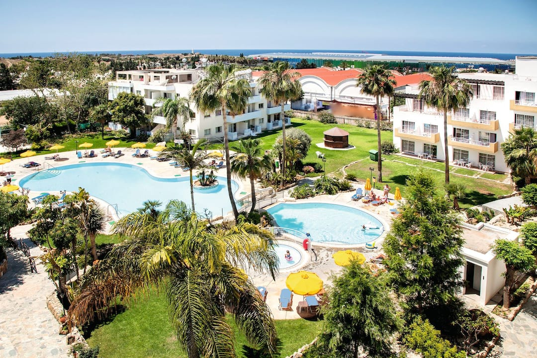 Holiday to Mayfair Gardens Apartments in PAPHOS (CYPRUS) for 3 nights (BB) departing from birmingham on 28 Apr