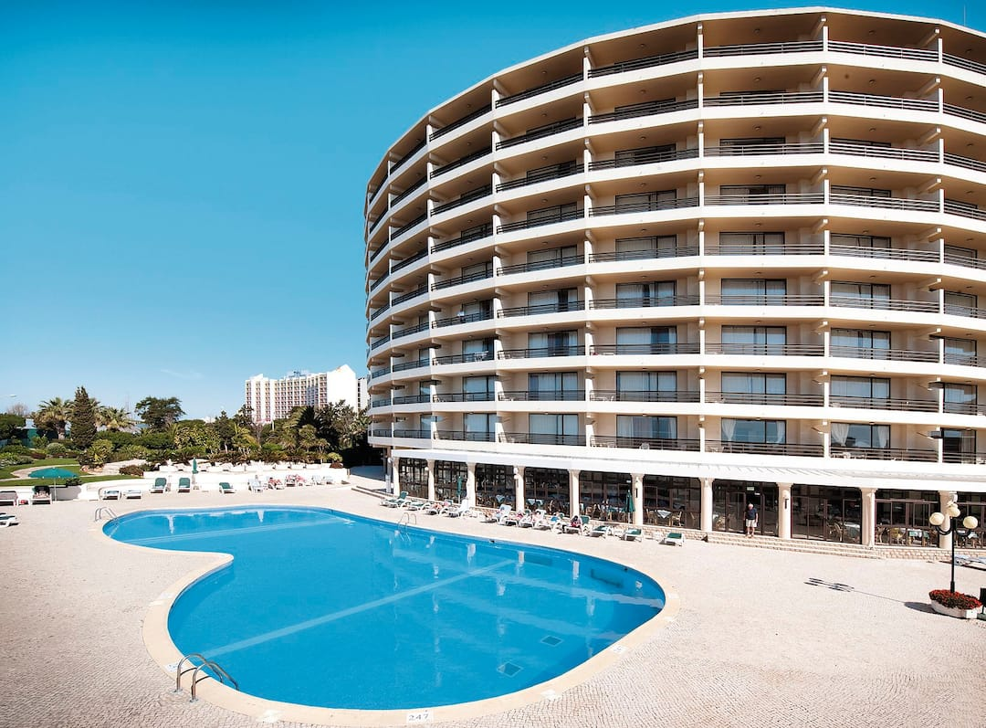 Holiday to Vila Gale Ampalius in VILAMOURA (PORTUGAL) for 3 nights (BB) departing from gatwick on 14 Oct