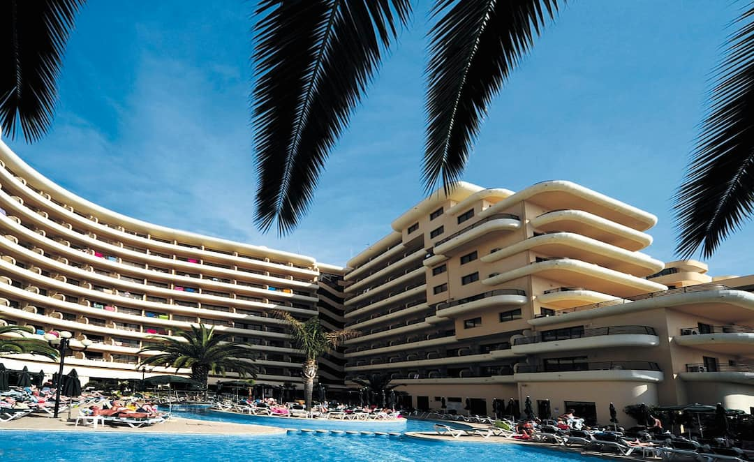 Holiday to Vila Gale Marina Hotel in VILAMOURA (PORTUGAL) for 3 nights (HB) departing from gatwick on 07 Oct