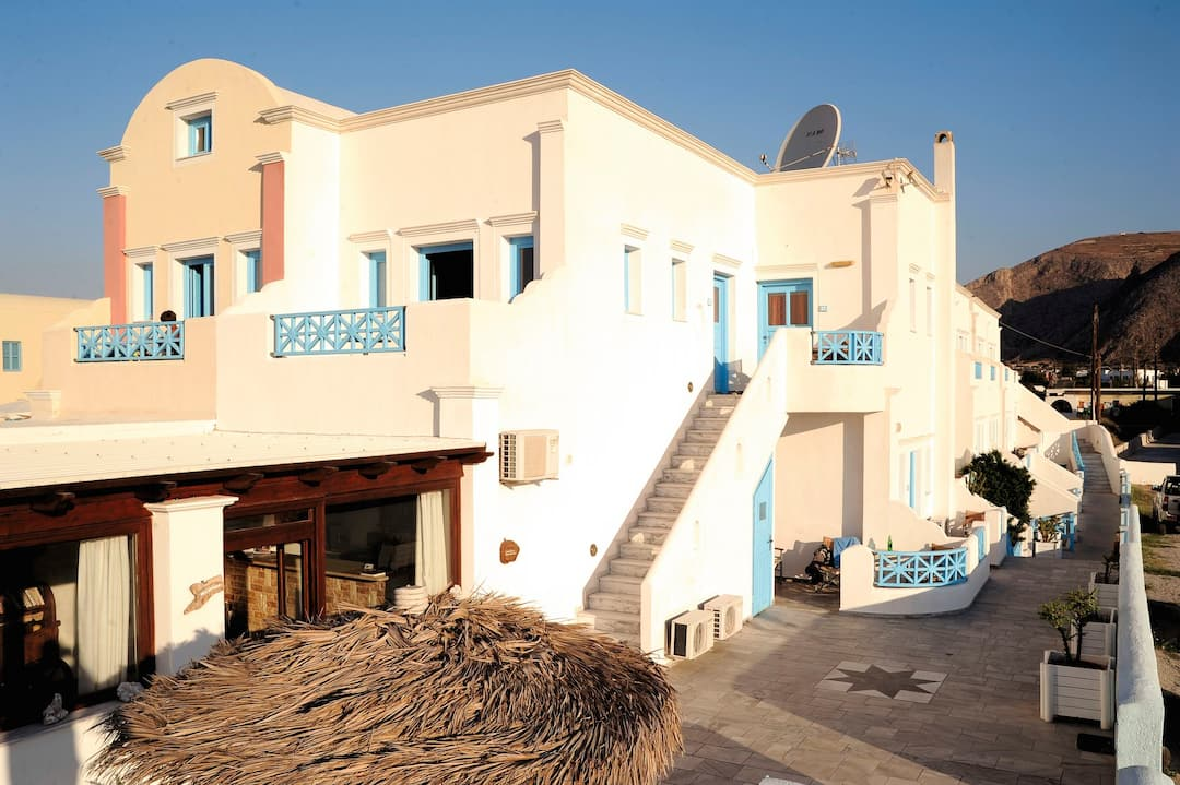 Holiday to Perissa Bay in PERISSA (GREECE) for 14 nights (BB) departing from east midlands on 26 Sep