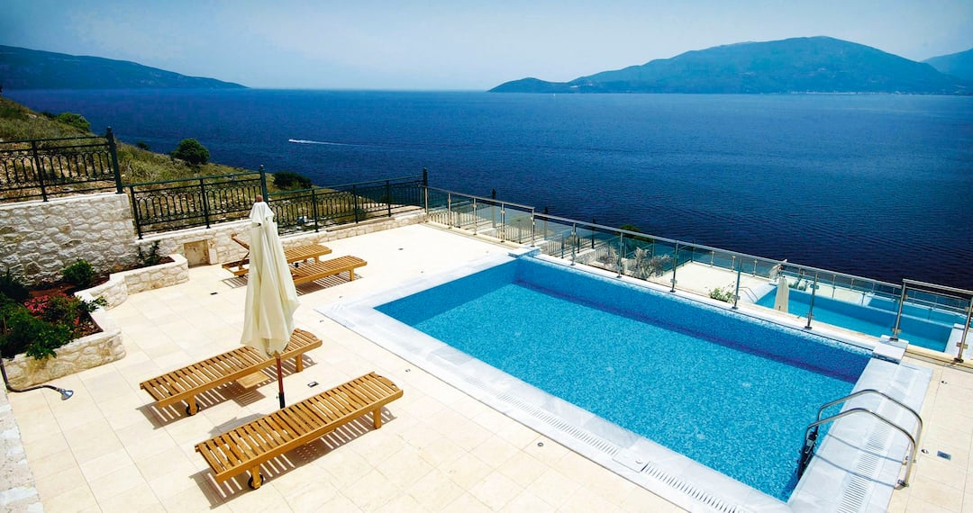 Holiday to Kefalonia Bay Palace in AGIA EFIMIA (GREECE) for 3 nights (BB) departing from manchester on 14 May