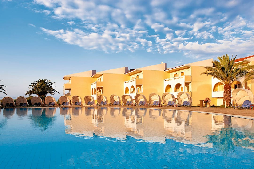 Holiday to Kefalonia Palace Hotel in LIXOURI (GREECE) for 4 nights (HB) departing from birmingham on 09 May