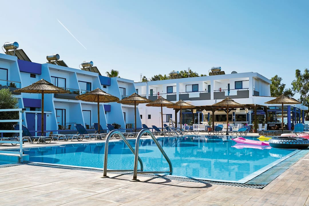 Holiday to Smaragdi Hotel in LAMBI (GREECE) for 4 nights (SC) departing from newcastle on 25 Sep