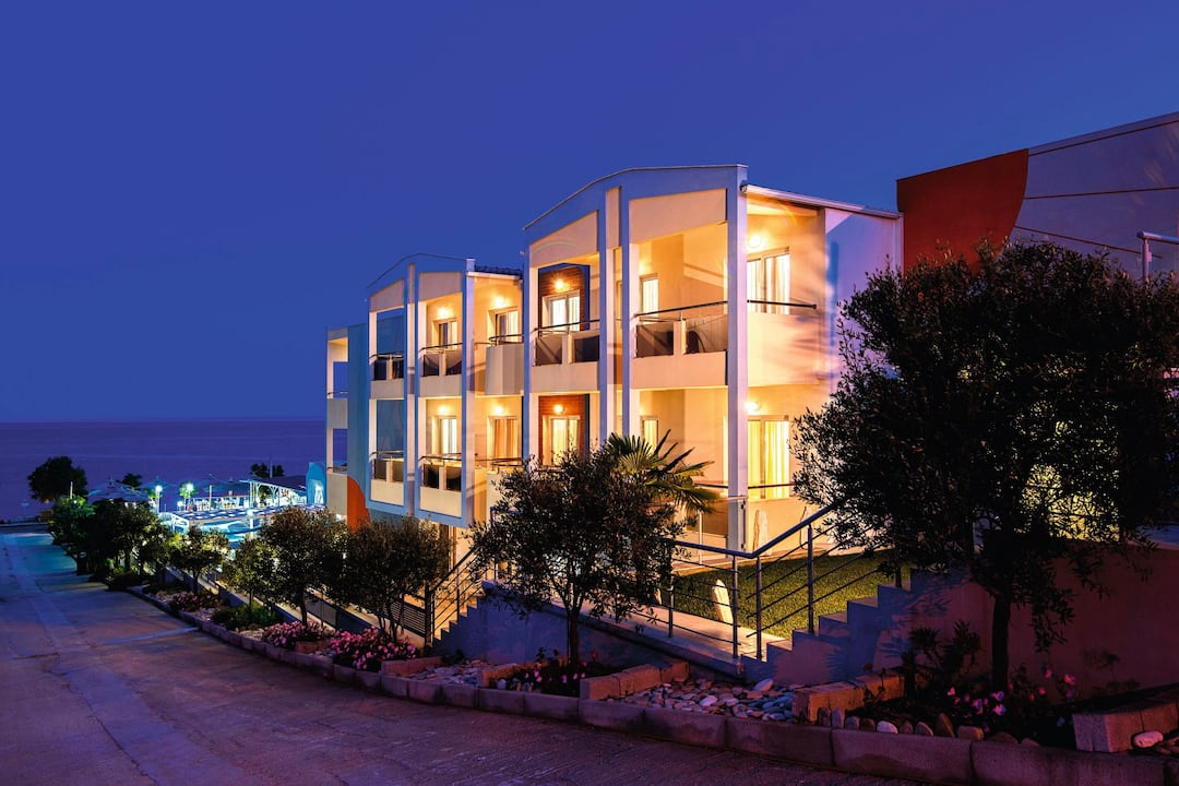 Holiday to Sunray Hotel in LIMENARIA (GREECE) for 3 nights (BB) departing from gatwick on 06 Jun