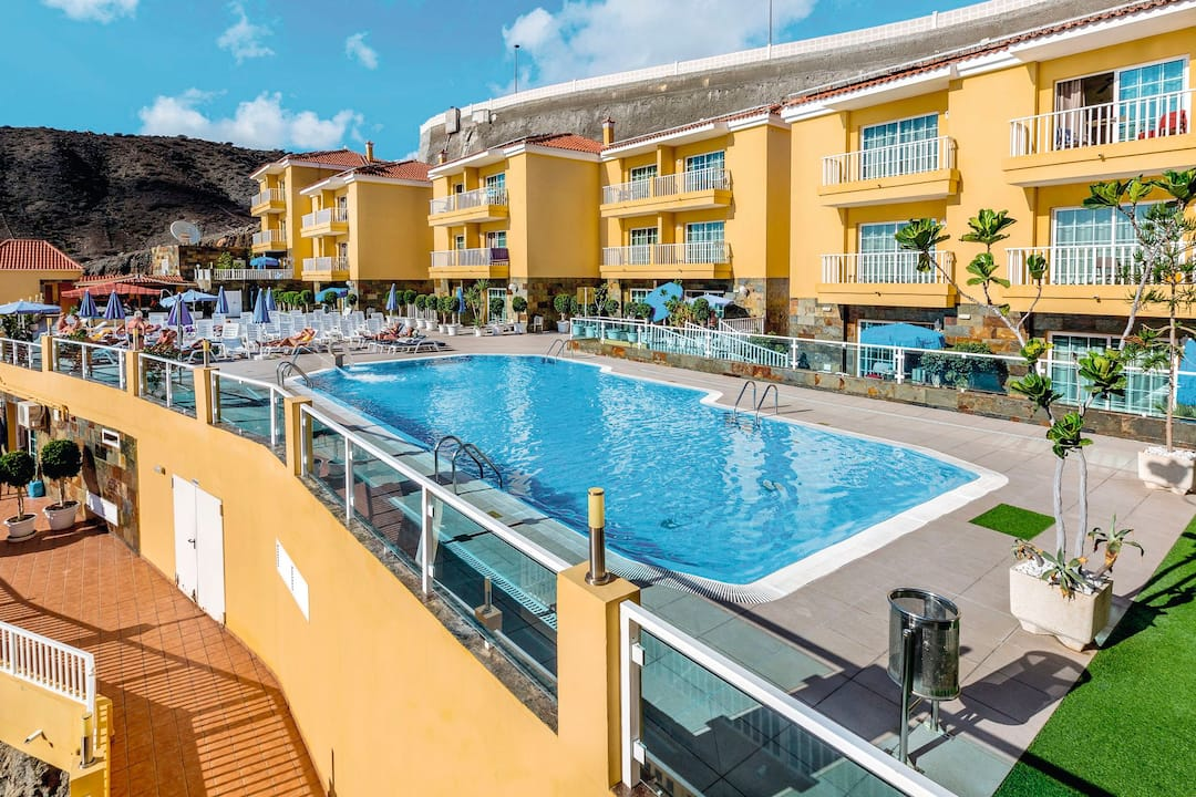 Holiday to Villa Del Mar in PATALAVACA (SPAIN) for 7 nights (SC) departing from gatwick on 30 May
