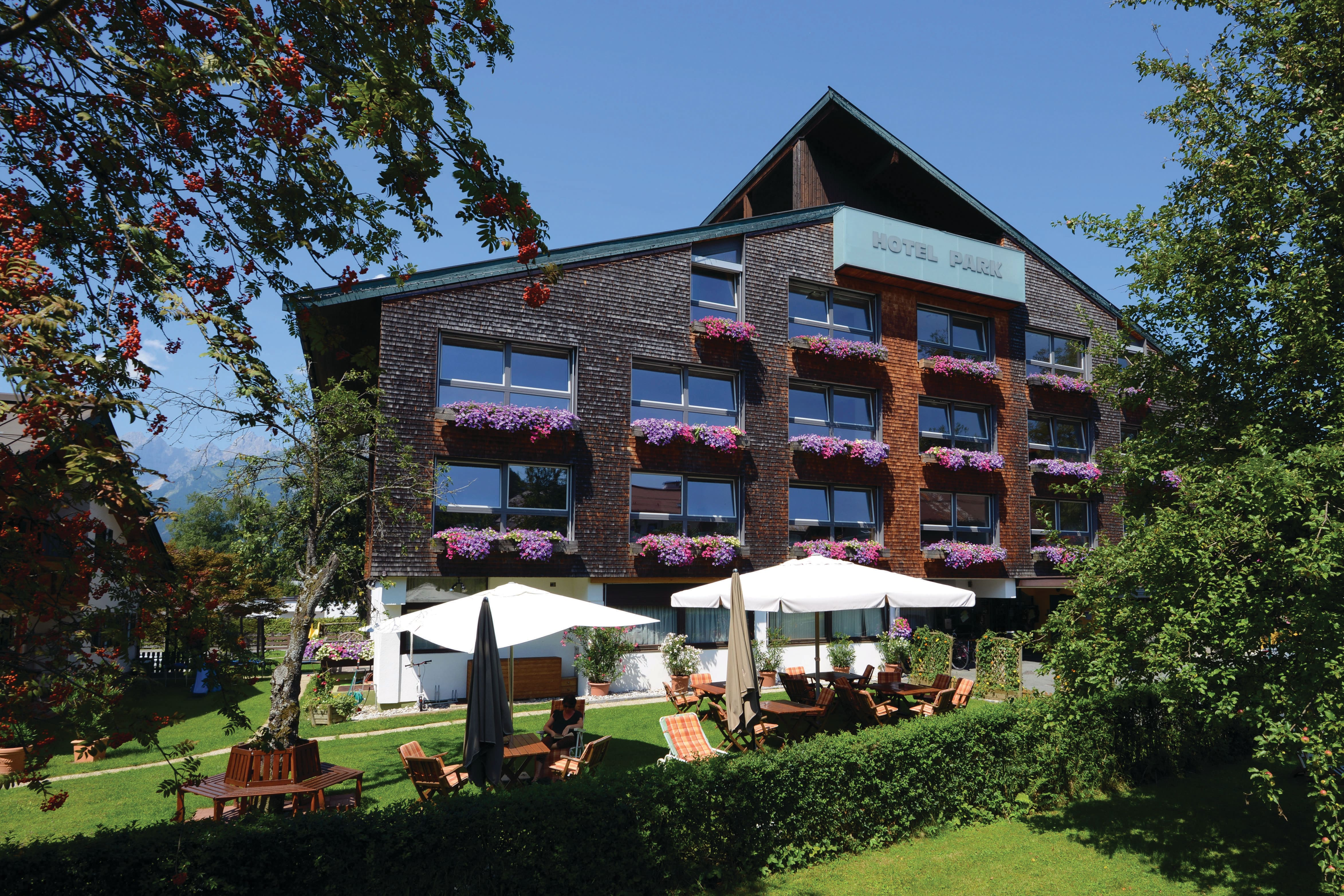 Exterior of the Hotel Park