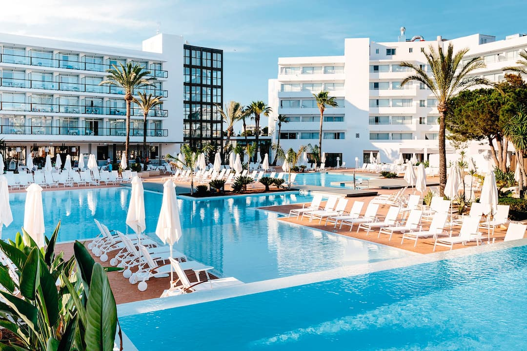 Holiday to Aluasoul Ibiza in ES CANA (SPAIN) for 3 nights (HB) departing from birmingham on 11 Oct