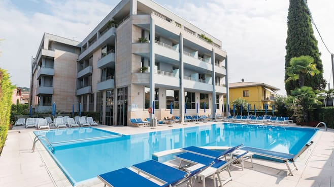 Hotels In Bardolino Centre