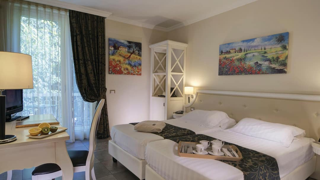 View the Rooms at Hotel Excelsior Le Terrazze, Garda | Thomson now TUI