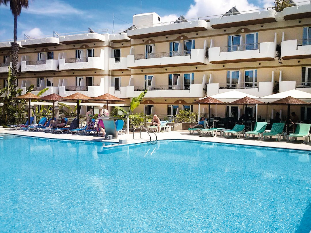 Holiday to Hotel Astron in KOS TOWN (GREECE) for 3 nights (BB) departing from gatwick on 06 Jun