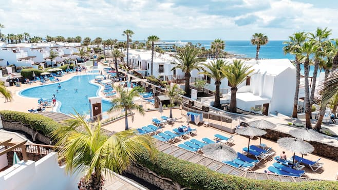 Tui family life flamingo beach in playa blanca thomson for Lanzarote design hotel
