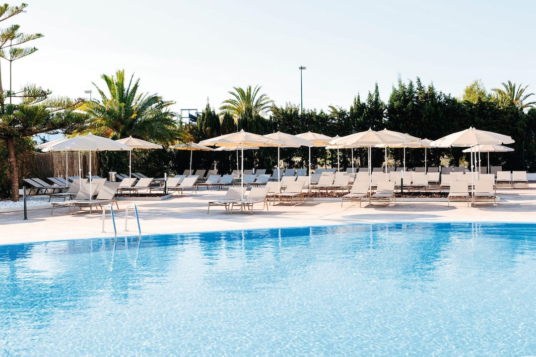 Holiday to Aluasoul Alcudia Bay in PUERTO DE ALCUDIA (SPAIN) for 3 nights (HB) departing from stansted on 11 May
