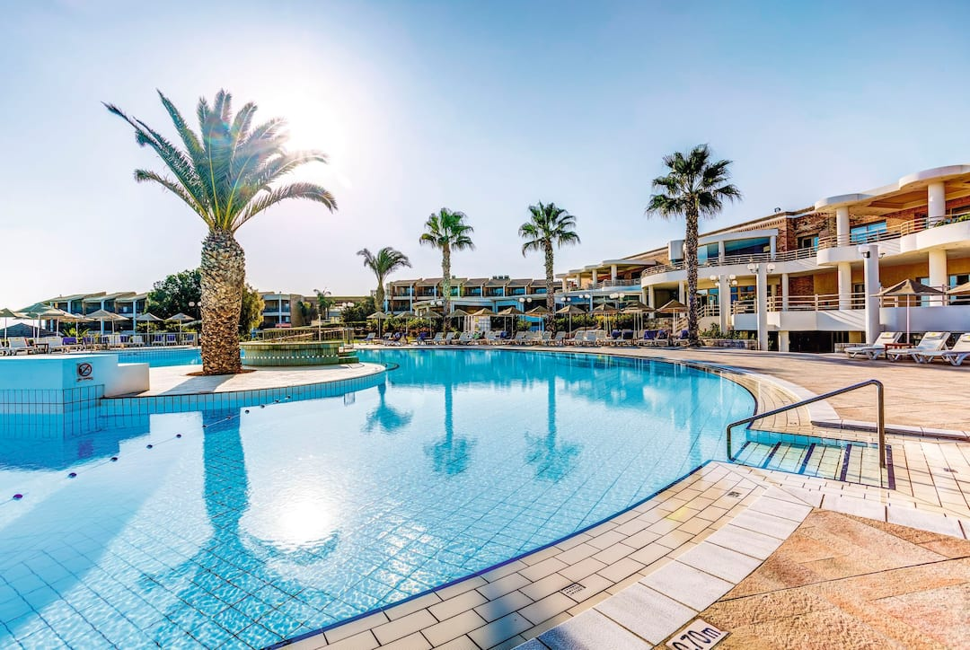 Holiday to Tui Magic Life Candia Maris in AMOUDARA (GREECE) for 4 nights (AI) departing from east midlands on 13 Oct