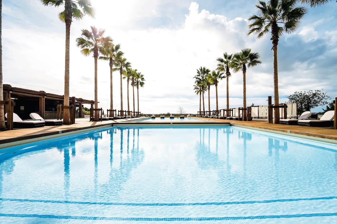 Holiday to Anantara Vilamoura Algarve Resort in VILAMOURA (PORTUGAL) for 7 nights (BB) departing from east midlands on 07 May