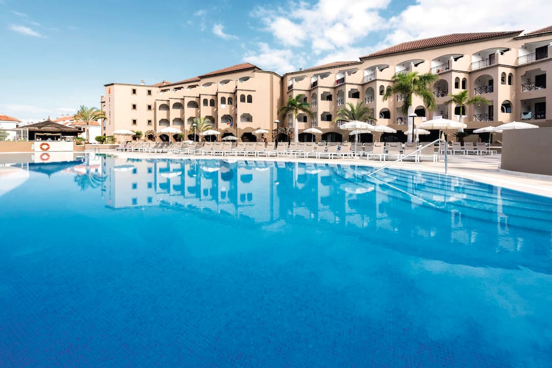 Holiday to St George Apartments in LOS CRISTIANOS (SPAIN) for 3 nights (BB) departing from luton on 18 Dec