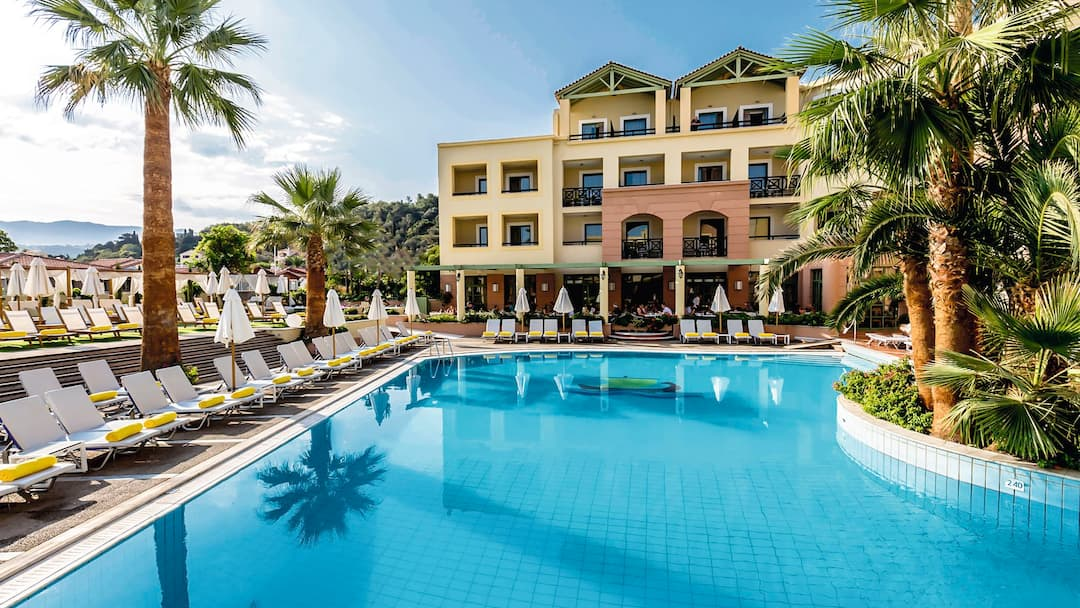 Holiday to Samaina Inn Hotel in KARLOVASSI (GREECE) for 7 nights (AI) departing from gatwick on 26 Sep