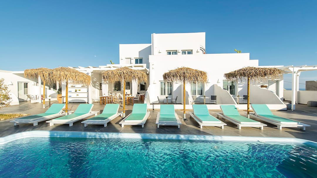 Holiday to Impressive One in PYRGOS  SANTORINI (GREECE) for 7 nights (BB) departing from east midlands on 07 Oct