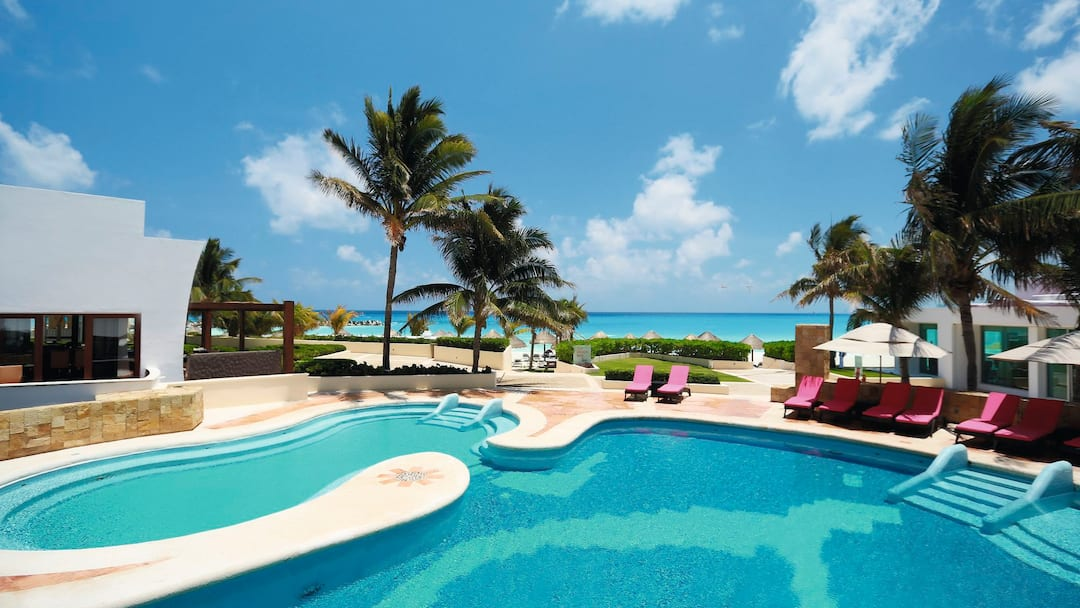 Holiday to Reflect Krystal Grand Cancun in CANCUN (MEXICO) for 7 nights (AI) departing from manchester on 17 May