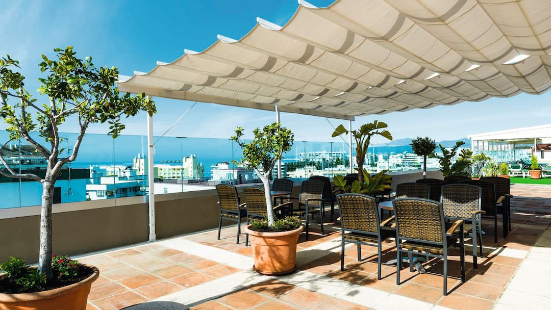 Marbella outdoor Sea-front bar