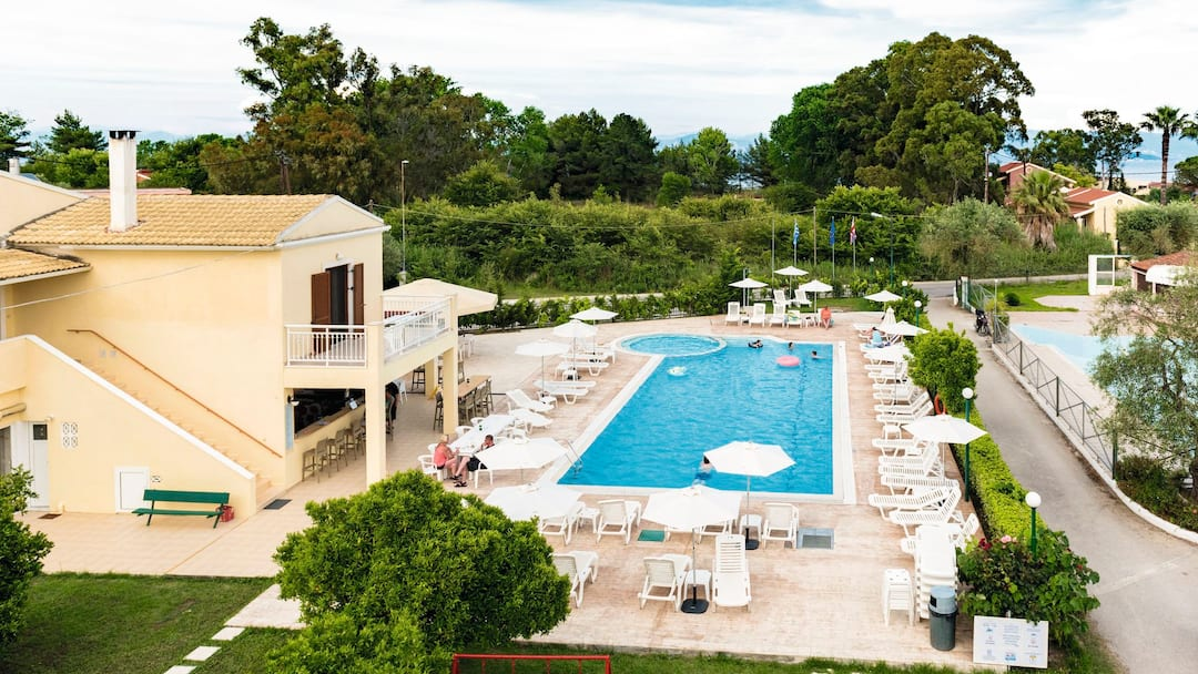 Holiday to Yianetta Hotel Apartments in KAVOS (GREECE) for 3 nights (SC) departing from east midlands on 21 May