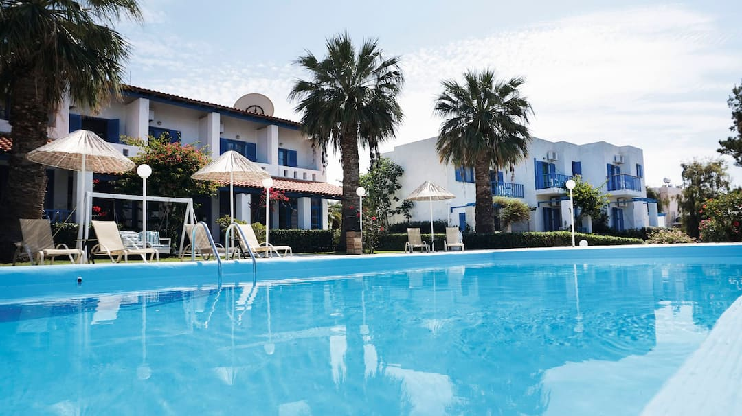 Holiday to Home Hotel in HERSONISSOS (GREECE) for 4 nights (BB) departing from east midlands on 19 May