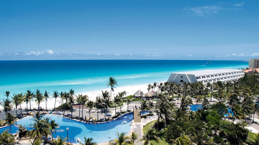 Holiday to Grand Oasis Cancun in CANCUN (MEXICO) for 6 nights (AI) departing from manchester on 25 Apr